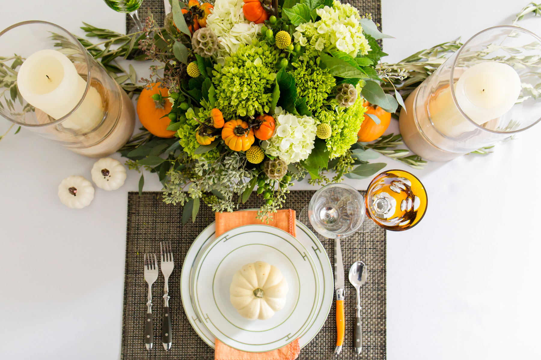 THANKSGIVING TABLE SETTING - Art of Being Female